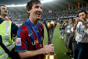 Messi nghỉ tập đi xét nghiệm sỏi thận