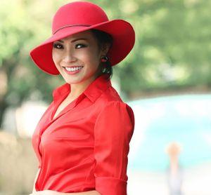 Những bà mẹ đơn thân showbiz Việt: Bao dung và học cười