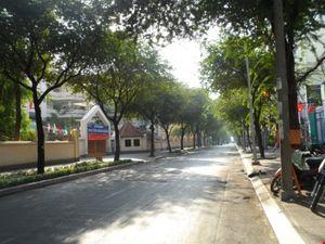 Phố Sài Gòn vắng...