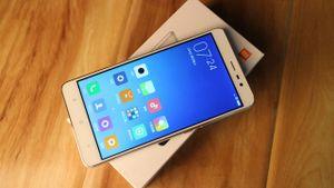 Chào Xuân Bính Thân: 12 con giáp ứng với 12 smartphone nào?
