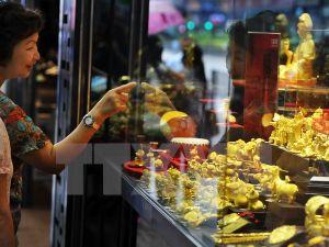 Giá vàng áp sát mức cao nhất gần bảy tháng rưỡi qua
