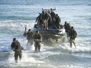 Anh điều 5 tàu chiến tới biển Baltic phục vụ NATO ngăn chặn Nga