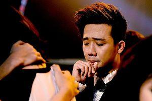Những màn khóc lóc của MC nam 'mít ướt' nhất Việt Nam