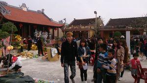 Giới trẻ nô nức đi chợ se duyên tìm bạn tình ngày đầu năm Bính Thân