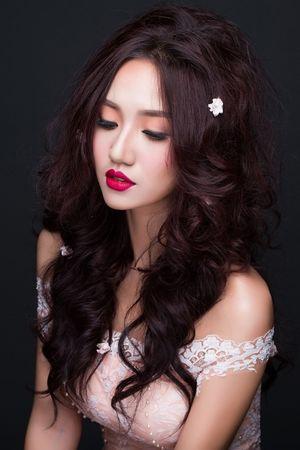 Ngắm nhan sắc như thiên thần của Hoa hậu, Á hậu tuổi Thân