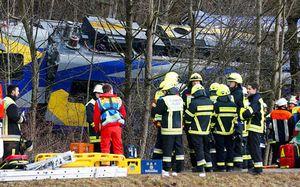 Tai nạn tàu lửa Đức, 9 người chết, 150 người bị thương