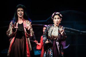 Cát Tường và dàn diễn viên bật khóc trong đêm công diễn Nhạc kịch Tấm Cám