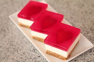 Học làm cheesecake thạch trái tim đem tỏ tình ngày Valentine