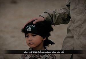 IS sử dụng cậu bé 4 tuổi kích bom xử tử 3 tù nhân