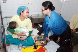 Khánh Ly, Quang Thành, Lê Uyên gửi lời chúc Xuân tới khán giả Việt Nam