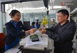 Hành khách trên chuyến bay quốc tế bất ngờ được tặng quà dịp đầu xuân