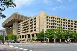 FBI bó tay với điện thoại mã hóa của khủng bố