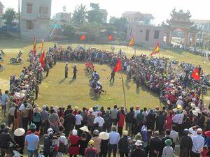 Độc đáo hội kéo co ở làng bên sông Gianh