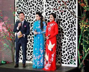 Gala Tết Việt: Đại tiệc âm nhạc và tiểu phẩm hài