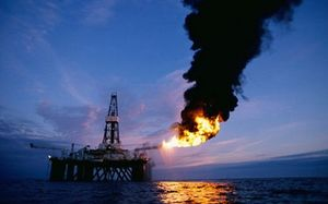 Giá dầu bất ngờ tăng vọt tới 12%