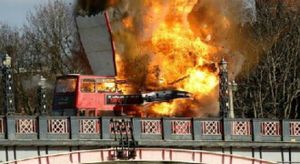 Phim của Thành Long bị khiếu nại vì cảnh nổ giữa London