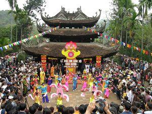 Khai mạc nhiều lễ hội nổi tiếng ở miền Bắc