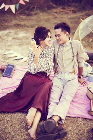 Khoảnh khắc lãng mạn của Tú Vi - Văn Anh trong ngày Valentine