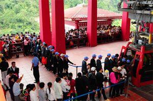 Hơn 60.000 du khách tới Tây Thiên những ngày đầu Xuân Bính Thân 2016