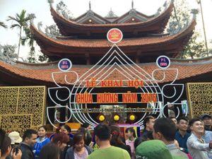Chùa Hương đón 180 nghìn lượt khách ngày khai hội