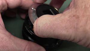 """""""Mổ bụng"""" ống kính Sony, xem hệ thống chống rung quang học"""