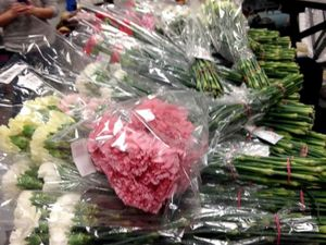 Choáng với cách mừng lễ tình nhân Valentine của nam sinh đẹp trai