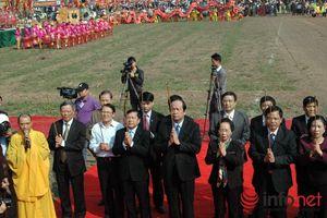 """Hình ảnh """"Vua đi cày"""" trong lễ Tịch Điền"""