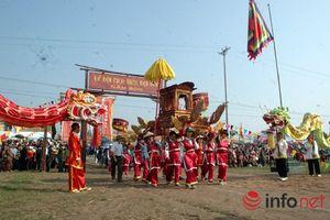 Biển người tham gia Lễ hội Tịch Điền