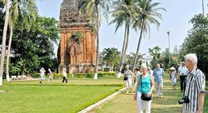 """Bình Định dù nghèo vẫn quyết không """"chặt chém"""" khách du lịch"""