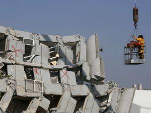 Kết thúc tìm kiếm nạn nhân sau động đất Đài Loan, 116 người chết