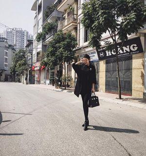 Huyền My, Phạm Hương Thanh Hằng đua nhau diện đồ tối màu chơi Tết