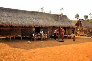 Nhà dài - nét văn hóa độc đáo của đồng bào Mạ