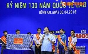 Thủ tướng giản dị, gần gũi trò chuyện với hơn 3.000 công nhân