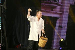 """""""Cười trẹo quai hàm"""" với màn nhại phim của Cười xuyên Việt"""