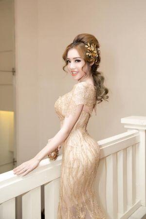 Đi tìm bản sao 'Kim siêu vòng ba' của showbiz Việt