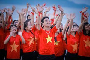 Ảnh kỷ yếu mừng đất nước giải phóng của teen Nghệ An