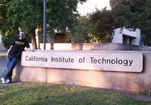 Caltech vượt Harvard thành đại học tốt nhất thế giới