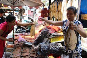 Chợ Campuchia 2 thế hệ ở Sài Gòn