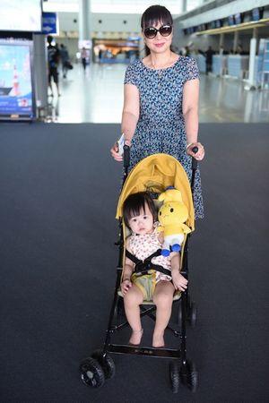 Maya cùng con gái sang Mỹ đi lưu diễn