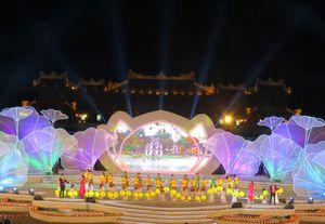 Gần 1 triệu lượt người đến Festival Huế 2016