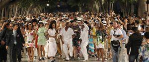 Chanel biến đường phố Cuba thành runway, ai muốn xem thì cứ tự nhiên