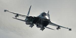 """Việt Nam sẽ tấn công """"phẫu thuật"""" với """"thú mỏ vịt"""" Su-34"""