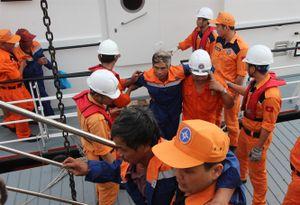 34 ngư dân từ cõi chết trở về an toàn