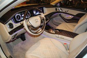 Xe siêu sang Maybach S600 giá 12 tỷ ở Sài Gòn
