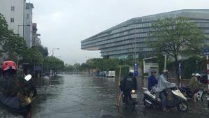 Hà Nội lại ngập nặng sau cơn mưa lớn