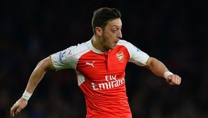 Nhìn lại 10 bản hợp đồng đắt giá nhất lịch sử Arsenal