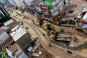 Những căn nhà kỳ quái giữa Sài Gòn