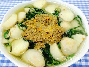 Đổi món với canh cua khoai sọ rau rút ngọt ngon