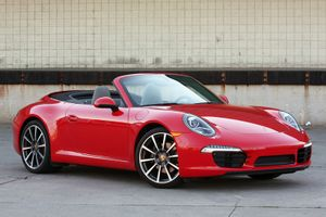 Ngắm vẻ đẹp siêu xe mui trần hơn 7,5 tỷ đồng của Porsche