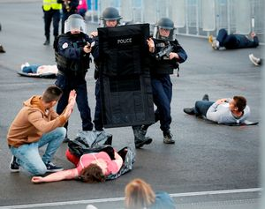 Pháp diễn tập chống khủng bố bảo vệ Euro 2016